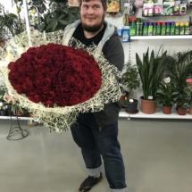 111 роз